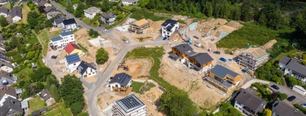 """Im Endausbau: Das Neubaugebiet """"Am Himmelchen"""" in Engelskirchen."""